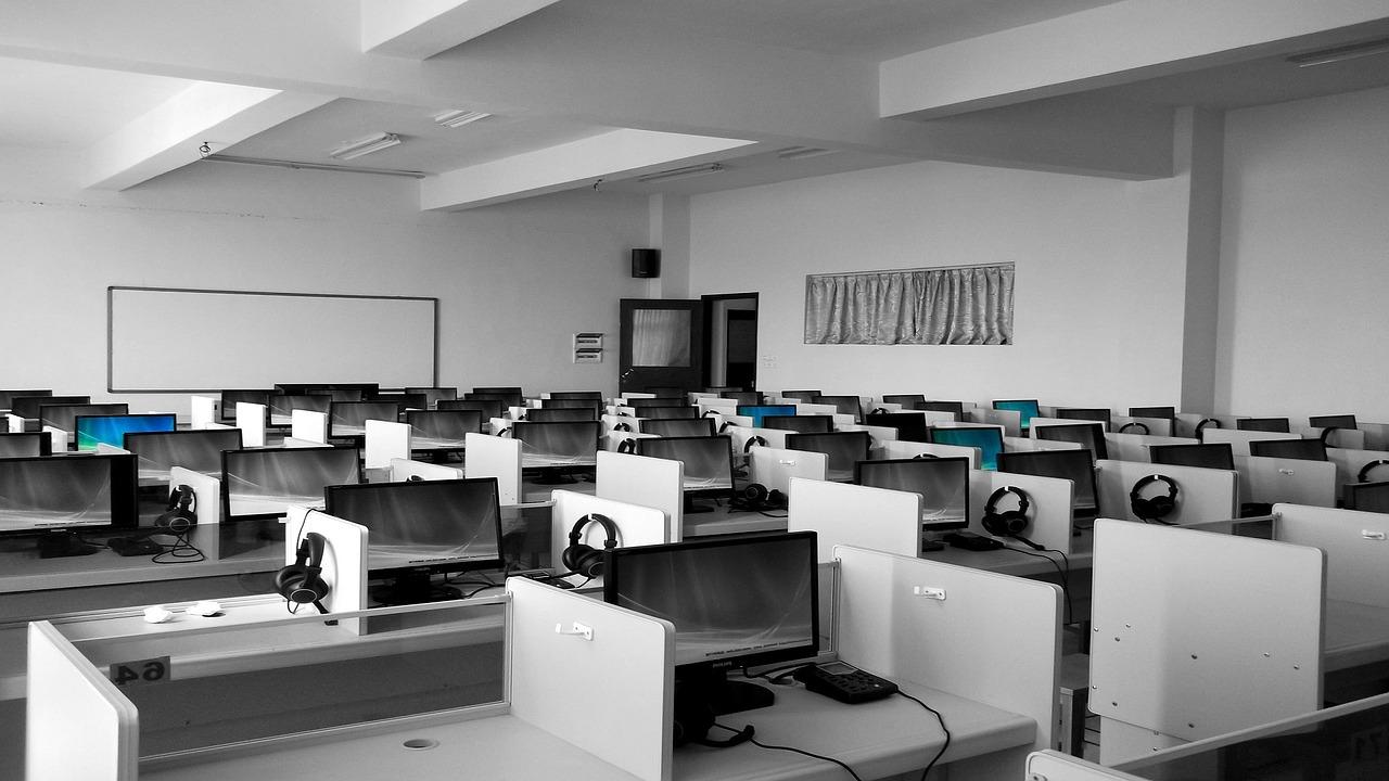 La formació en projectes d'internet és un dels serveis de solucions360